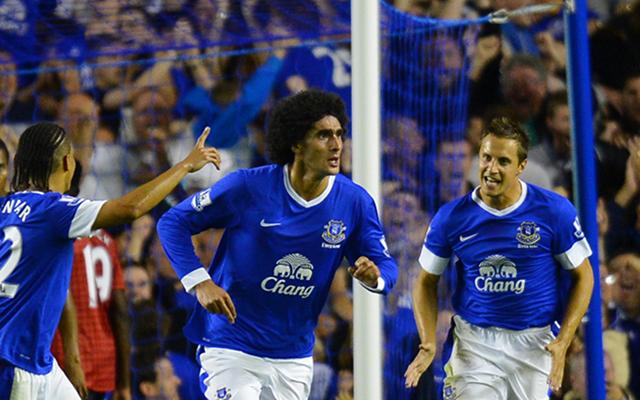 Everton Steven Pienaar + Marouane Fellaini + Phil Jagielka