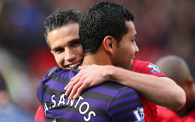 Arsenal's Andre Santos bemused by fans anger at Van Persie shirt swap