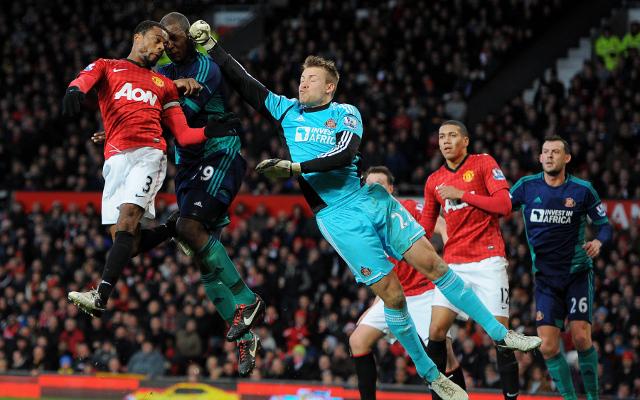 Simon Mignolet Sunderland Patrice Evra Man United
