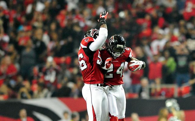 Atlanta Falcons to cut Dunta Robinson, John Abraham and Michael Turner