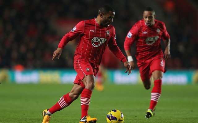 Private: (Video) Southampton's Jason Puncheon forced off the field for loo break