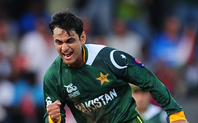 Cricket World Cup 2015: Injured all-rounder Mohammad Hafeez criticises Pakistan tactics after India loss