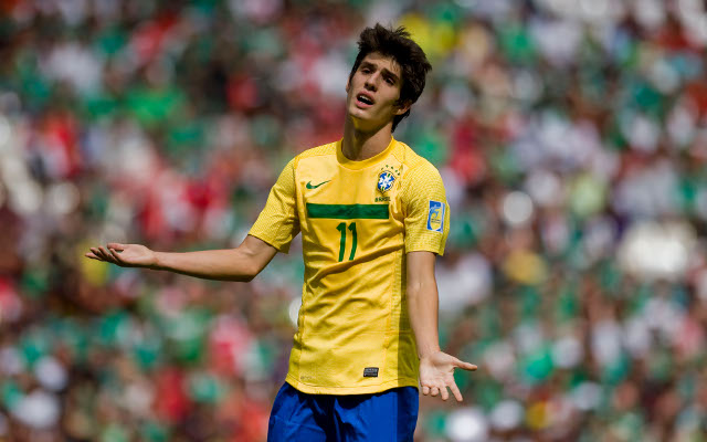 Private: Chelsea's Piazon joins Malaga on loan