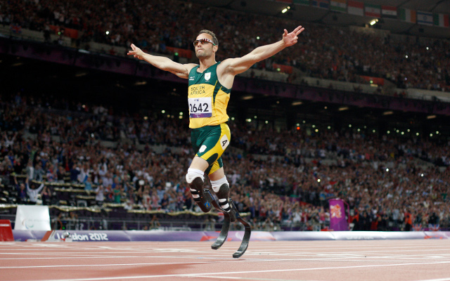 (Video) Oscar Pistorius' agent insists the blade-runner's sponsors remain committed to disgraced star