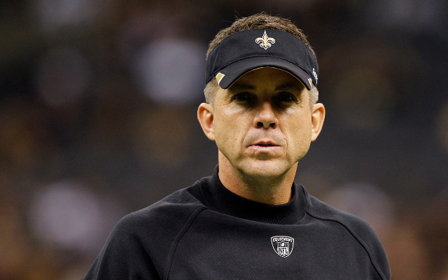 (GIF) New Orleans Saints head coach Sean Payton has a bit of trouble using his binoculars