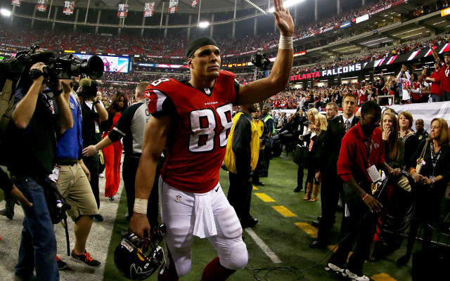 Tony Gonzalez is open to NFL return on his terms