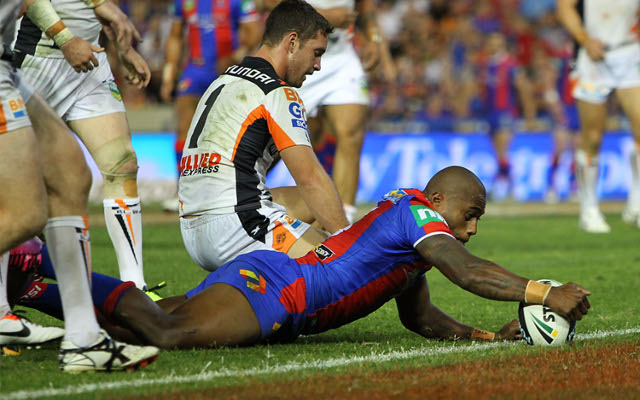 Newcastle Knights punish toothless West Tigers in NRL opener