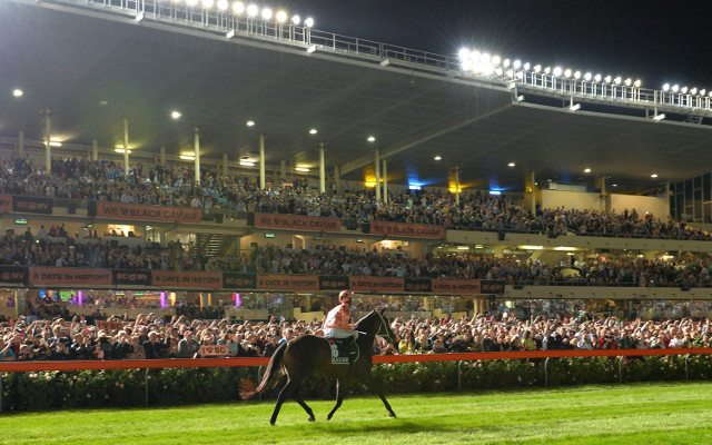 Black Caviar notches 24th career win in Melbourne swansong
