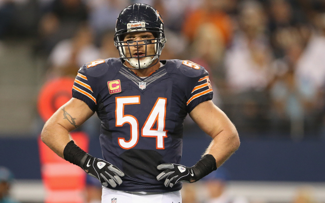 Chicago Bears legend Brian Urlacher retires from the NFL after 13 years