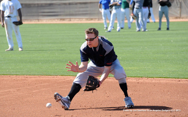 Amputee attends tryout to join LA Dodgers baseball team