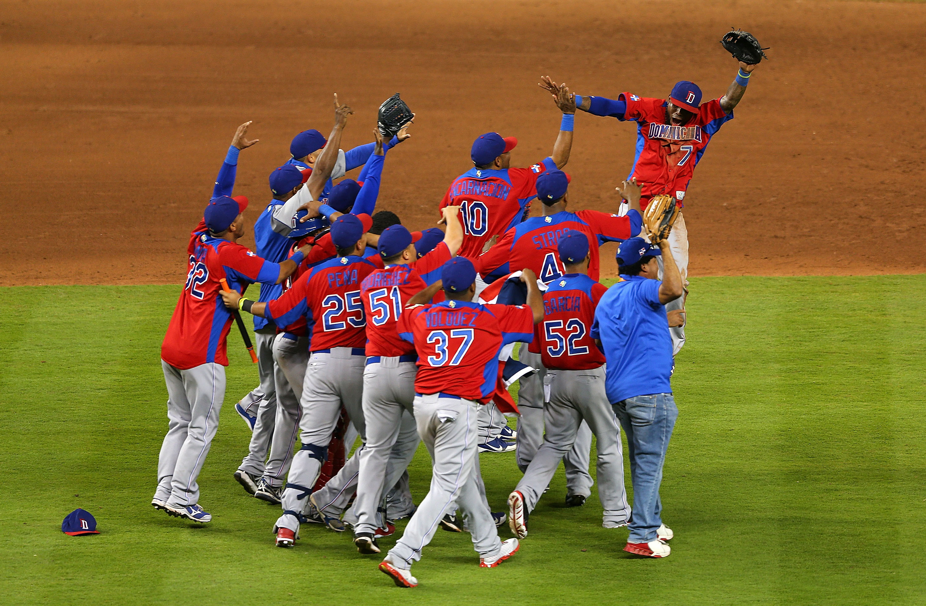 (Video) Holland 1-4 Dominican Republic: World Baseball Classic highlights