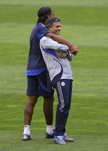 Drogba Mourinho Chelsea