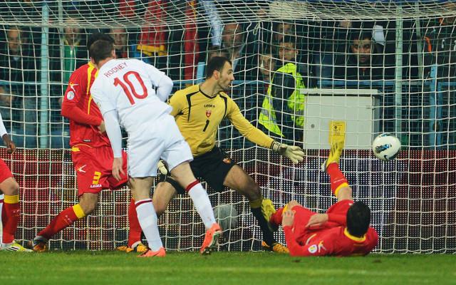 (GIF) Wayne Rooney goal for England vs Montenegro