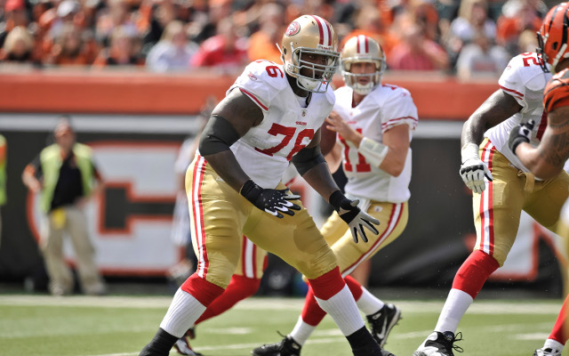 Anthony Davis signs five-year extension with San Francisco 49ers