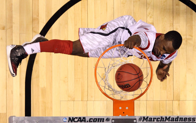 (Video) College Basketball's best dunks of the year