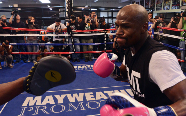 (Video) Robert Guerrero's father label Floyd Mayweather a woman beater