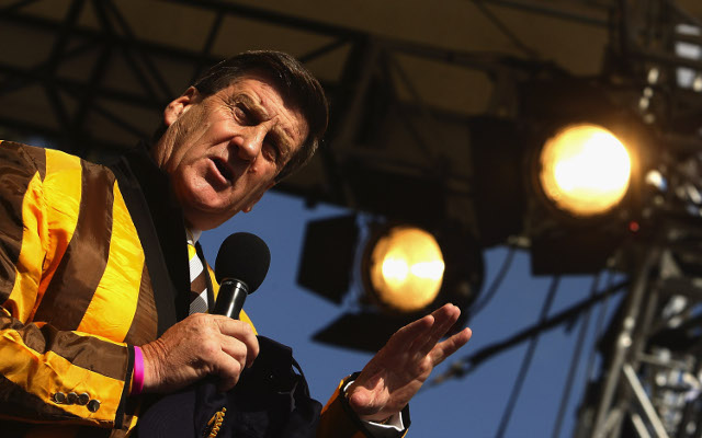 Former Hawthorn president Jeff Kennett backs away from sacking comments