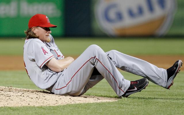 Los Angeles Angels pitcher Jered Weaver suffers broken elbow
