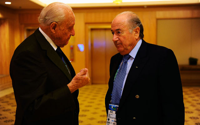 (Video) Joao Havelange forced to resign from Fifa due to bribery scandal