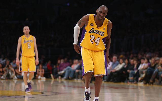 (Video) Kobe Bryant's season-ending injury given strange segment on Taiwanese news