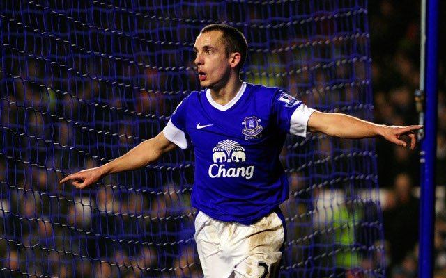 Everton and Leon Osman stall over contract extension