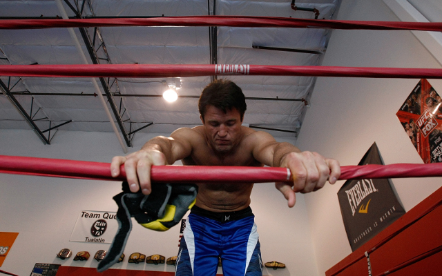 (Video) Chael Sonnen and Mauricio 'Shogun' Rua work out for fans, media