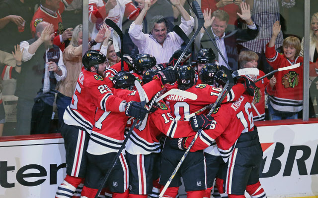 Chicago Blackhawks take 3-1 series lead over the LA Kings after late win