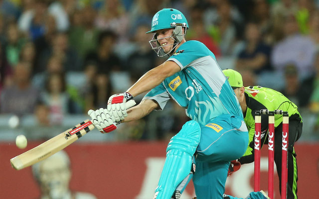 Queensland Bulls batsman Chris Lynn says sorry for Te'o tweet