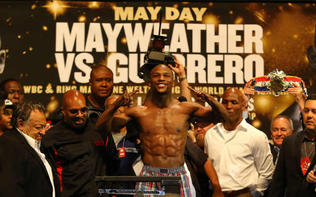 Floyd Mayweather and Robert Guerrero make weight for WBC bout
