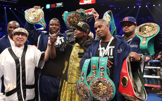 Floyd Mayweather dominates WBC title bout against Robert Guerrero