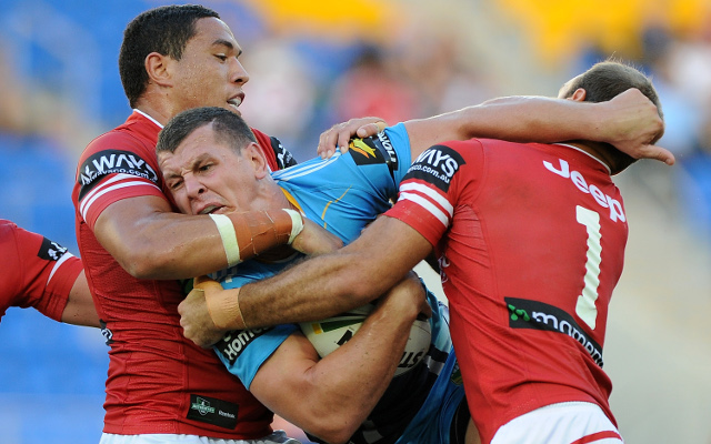Gold Coast Titans hang on for narrow win over Dragons