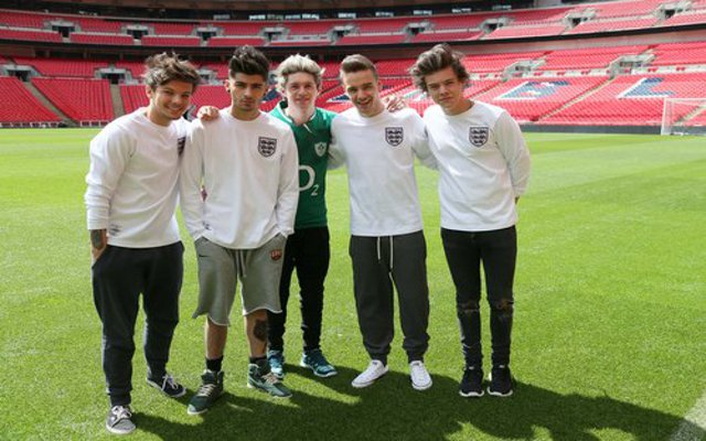 Celebrity Manchester United fan Zayn Malik announces One Direction exit!