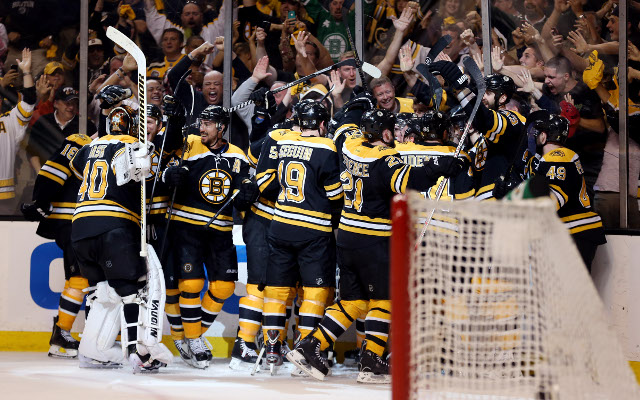 Boston Bruins win in second overtime to stun the Pittsburgh Penguins
