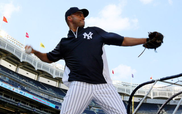 Derek Jeter signs new $12 million deal with New York Yankees