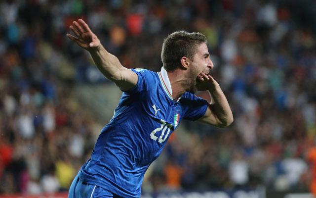 (GIF) Liverpool's Fabio Borini scores quality Golazo for Italy U21s