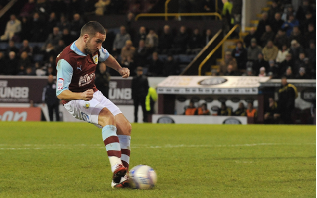 Burnley striker Martin Paterson considering Wolves switch