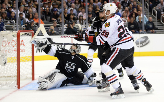 (Video) Goaltender Jonathan Quick the hero as the Kings take down Chicago