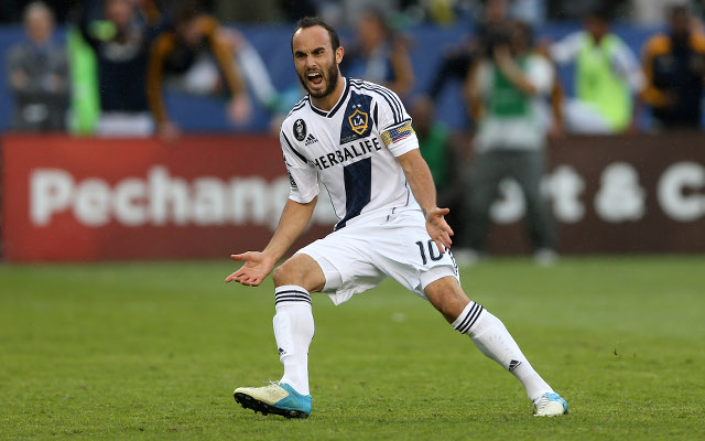 (Image) Landon Donovan marks Twitter return by embarrassing napping team-mate