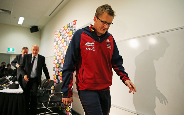 (Video) Melbourne Demons sack coach Mark Neeld