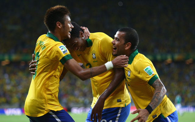 (Image) Neymar and Brazil teammates squeeze into lift for a 'selfie'!