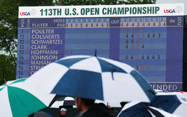 Play resumes at the US Open despite downpour