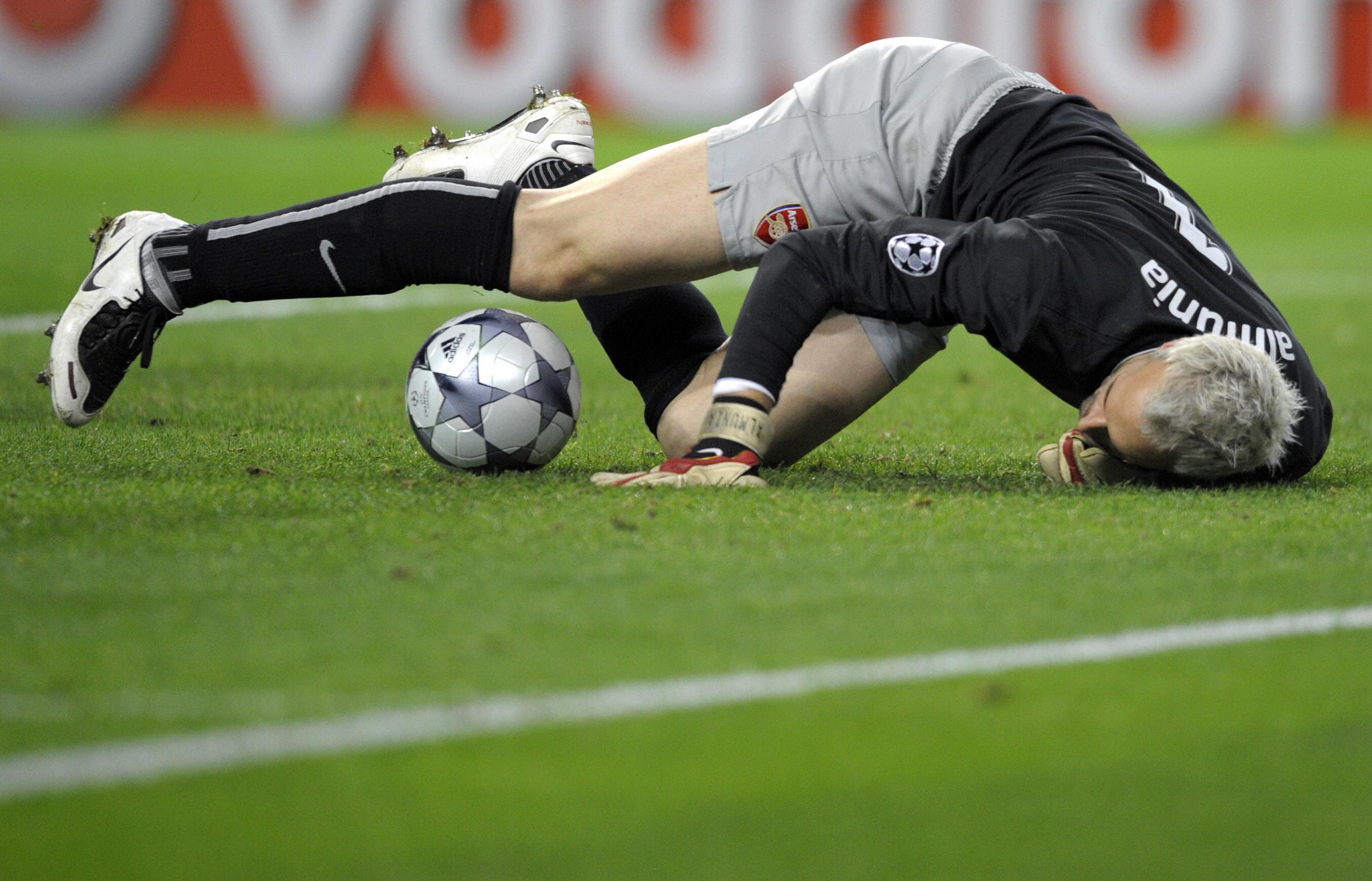 Arsenal FC´s Spanish goalkeeper  Manuel