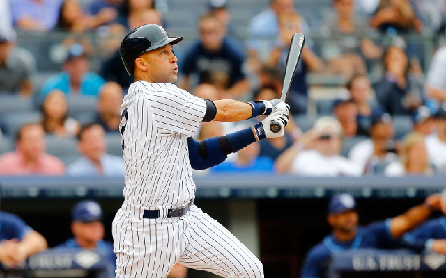 (Video) Derek Jeter hits home run off first pitch in return from injury