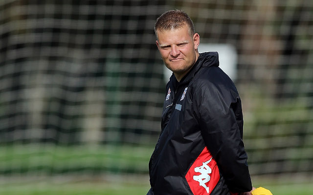 (Video) Josep Gombau gives new Adelaide United recruit Michael Zullo a skills tutorial