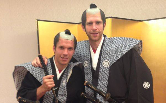 (Image) More Arsenal hi-jinks on tour as Podolski and Mertesacker pose as samurai