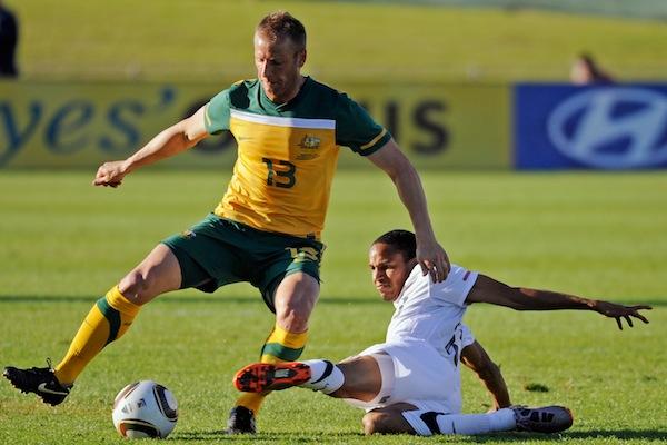 (Image) Former Socceroo Vince Grella on the Sydney FC bench