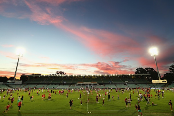 Wanderers anxious to increase Parramatta Stadium capacity before A-League kick-off