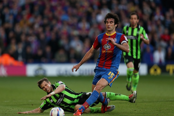 Crystal Palace accelerate contract talks with captain Mile Jedinak
