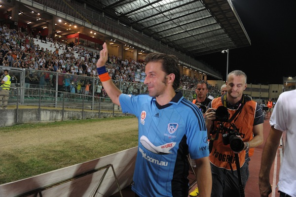 (Video) Padova pay tribute to Alessandro Del Piero after beating Sydney FC
