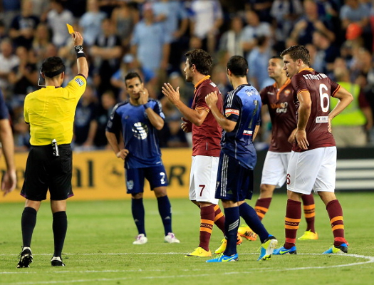 (Video) Ref Cam: pictures and sounds from head camera worn in All-Star v. Roma game